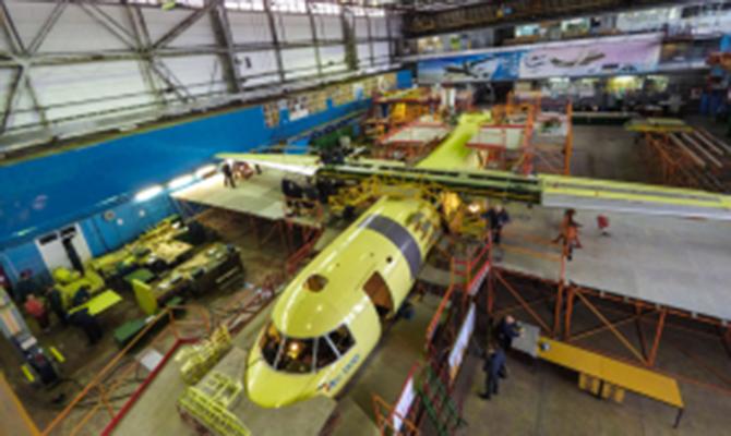 ГП «Антонов» заканчивает строительство нового самолета Ан-132D без русских комплектующих