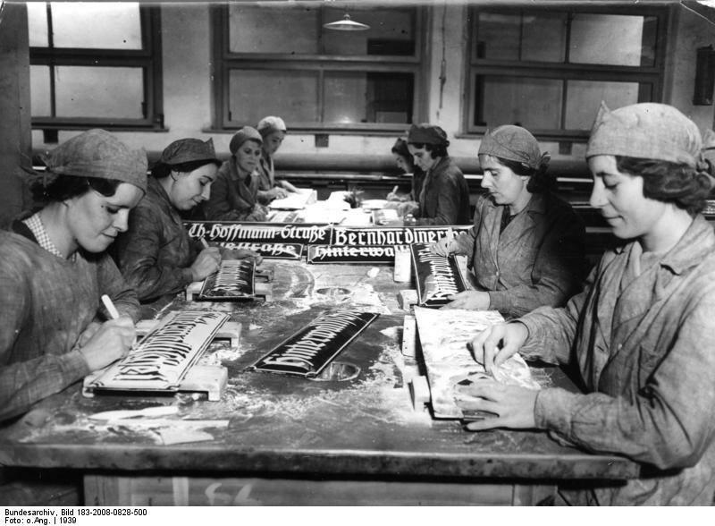 Posen, Herstellung deutscher StraЯenschilder