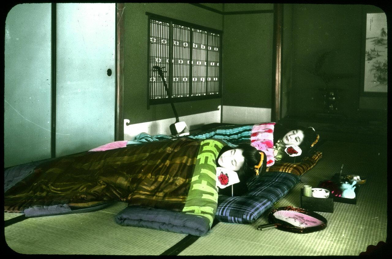 Спящие гейши