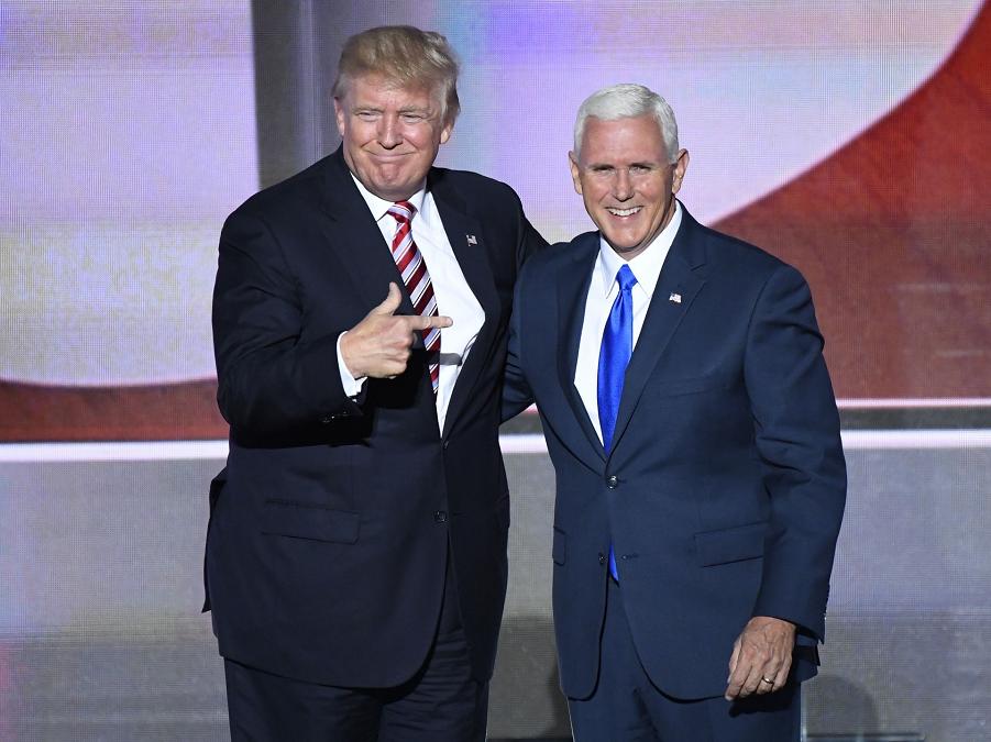 Трамп и Пенс на национальной конвенции РП.png