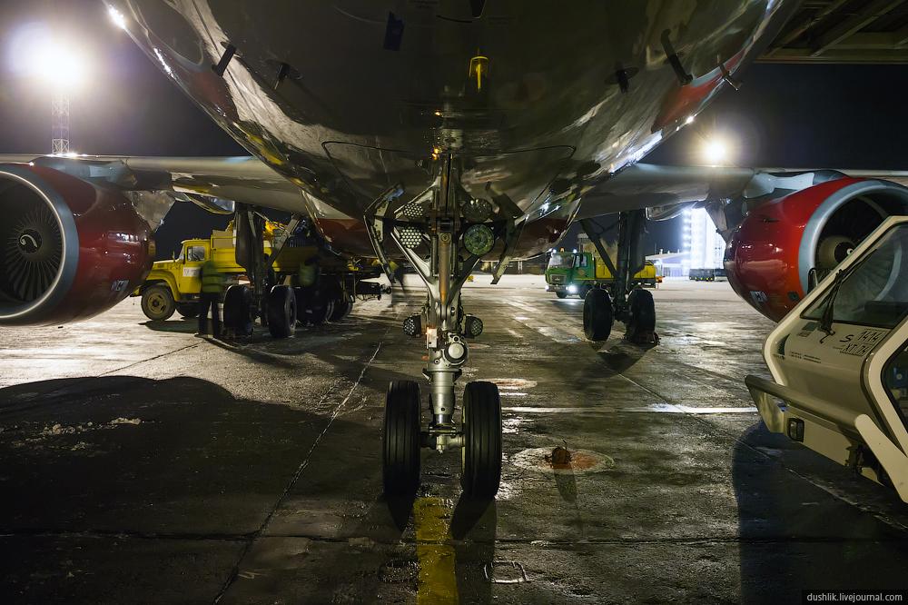 Встреча Эйрбаса A319 с именем «Челябинск» в Баландино
