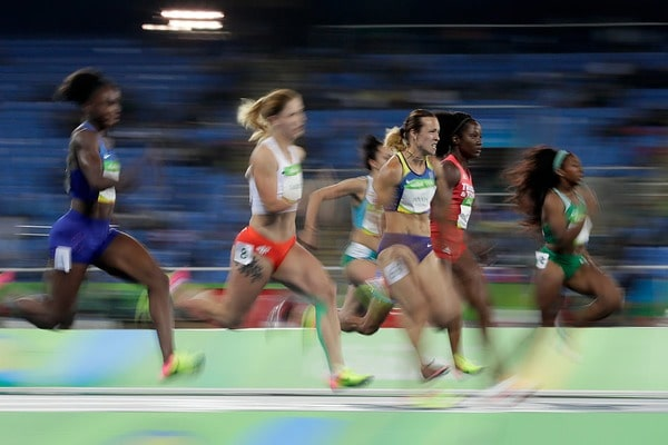 Украина вышла вфинал вэстафете 4 по100 метров