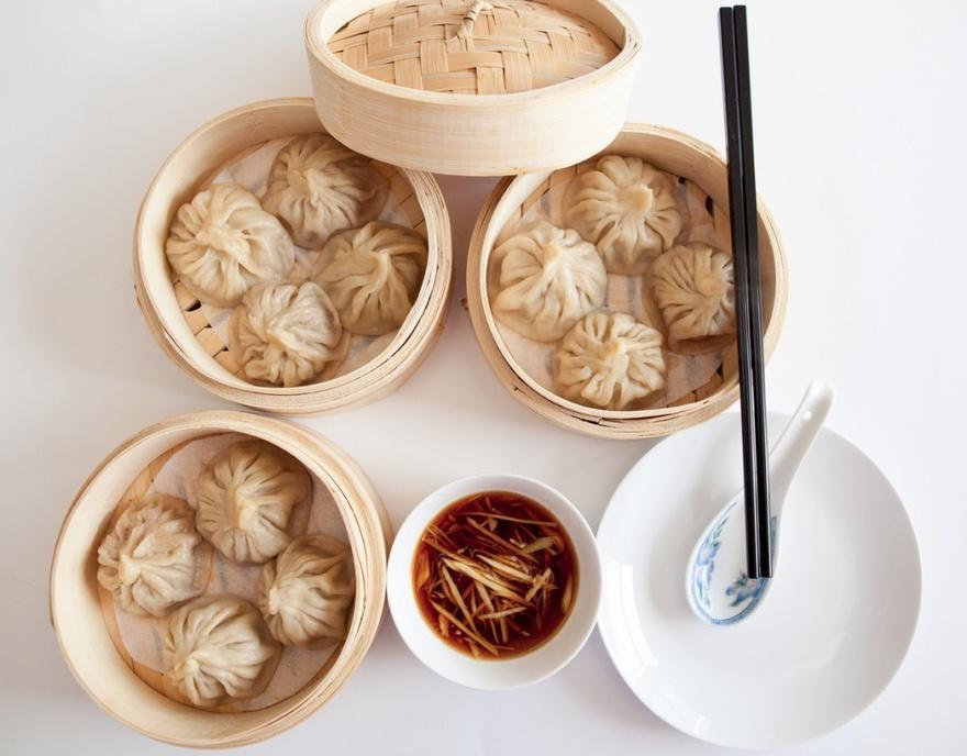 7. Китай Китайские паровые пельмешки в супе носят название Сяо лонг бао. По своей форме они похожи н