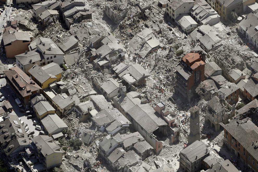 3. Согласно научной классификации, по глубине возникновения землетрясения делятся на 3 группы: