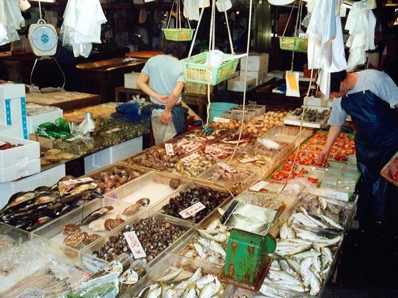 Рынок Чичи (Гватемала) Рынок Чичи в Чичикастенанго работает по четвергам и воскресеньям до 3