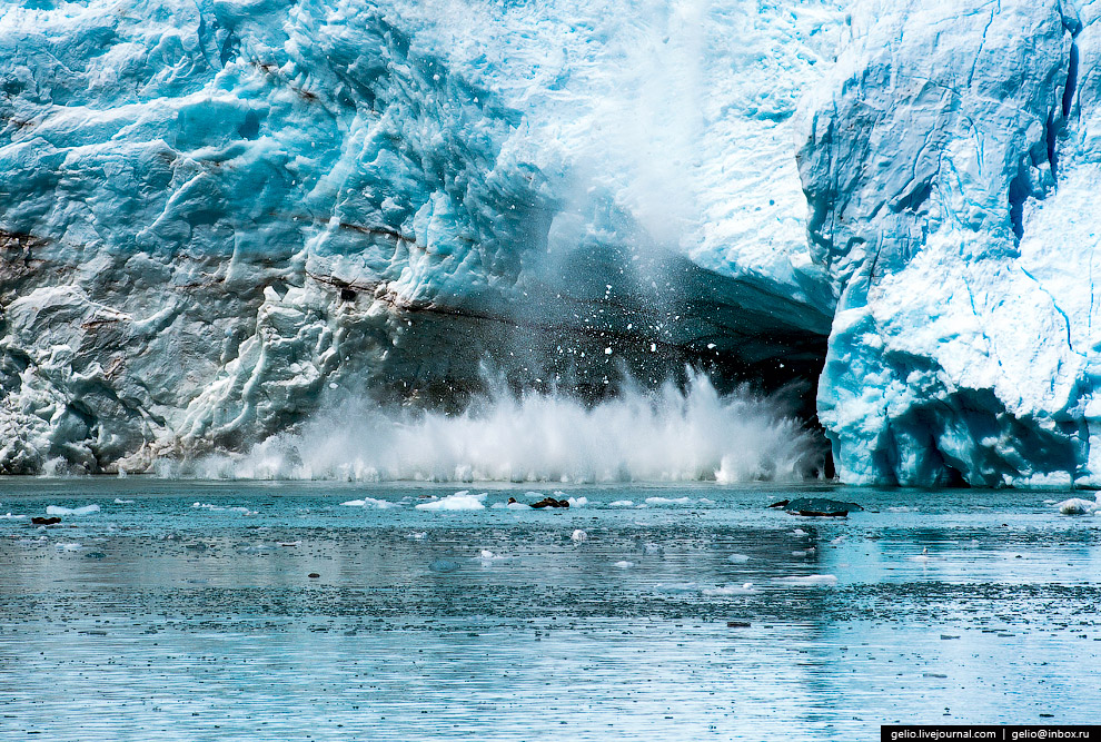35. Падающий лёд открывает вырезанные ледниками глубокие долины. Они, заполняясь водой, образую