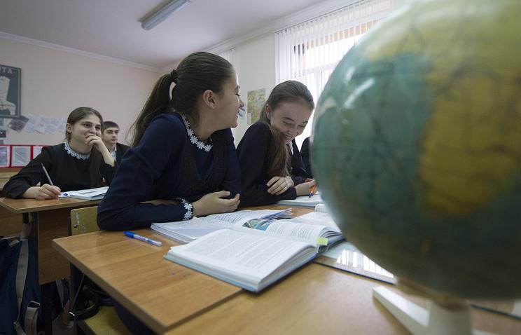 Министерство образования отказалось отменять ЕГЭ впользу обычных  экзаменов