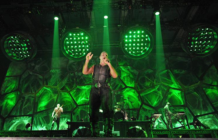 Солист Rammstein услышит свои стихи в«Гоголь-центре»