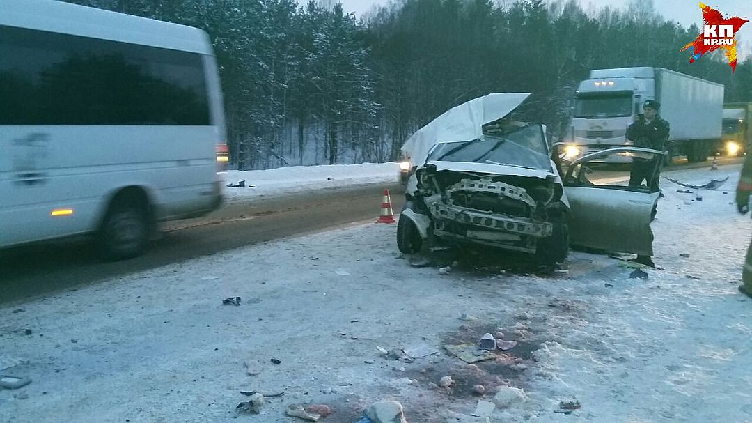 Шесть человек погибли в 2-х авариях натрассе вСвердловской области