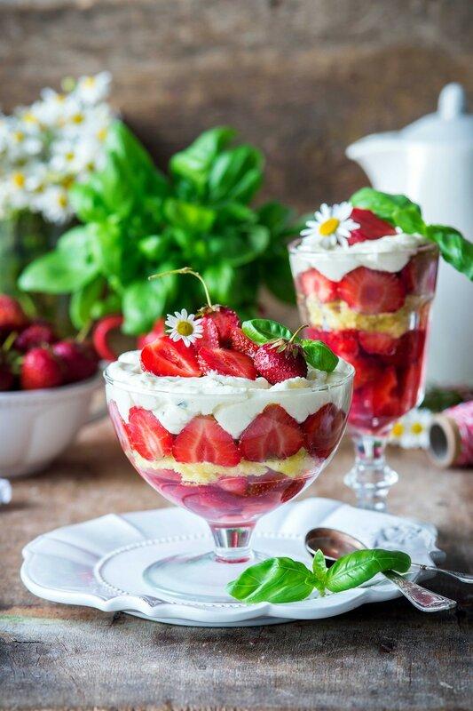 Strawberry-trifleblog.jpg