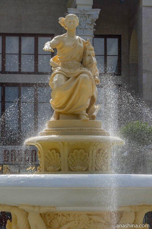 Морской вокзал Сочи, богиня мореплавания