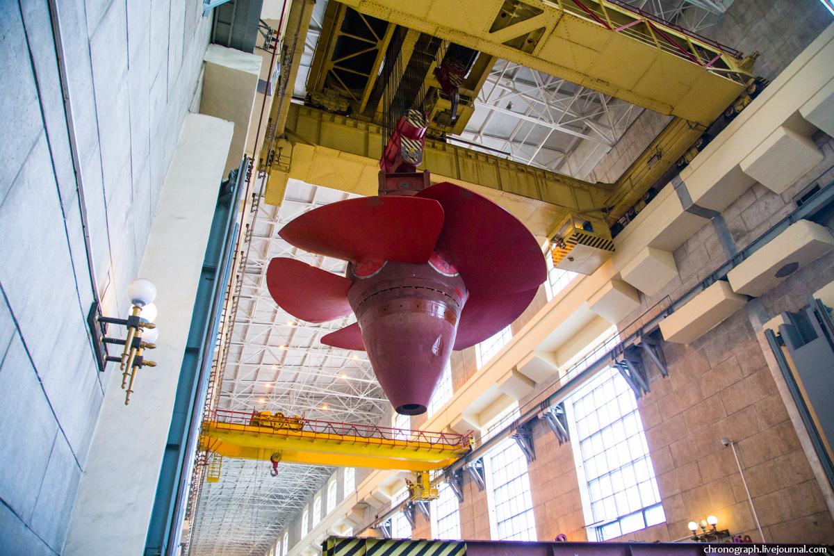 Монтаж рабочего колеса гидроагрегата №7 на Жигулёвской ГЭС 0_11234d_771986e4_orig