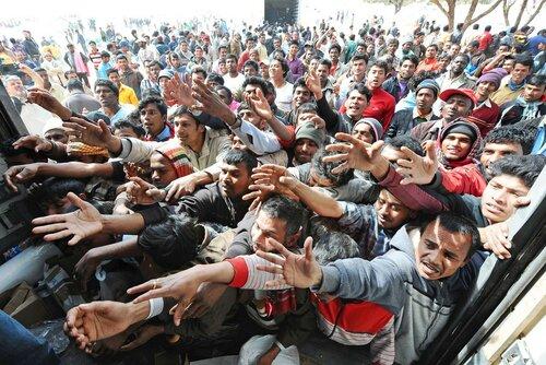 Молдавские политики готовы принимать беженцев - у себя дома?