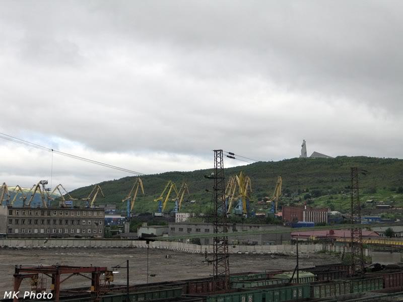 Вид на портовые краны и Алёшу