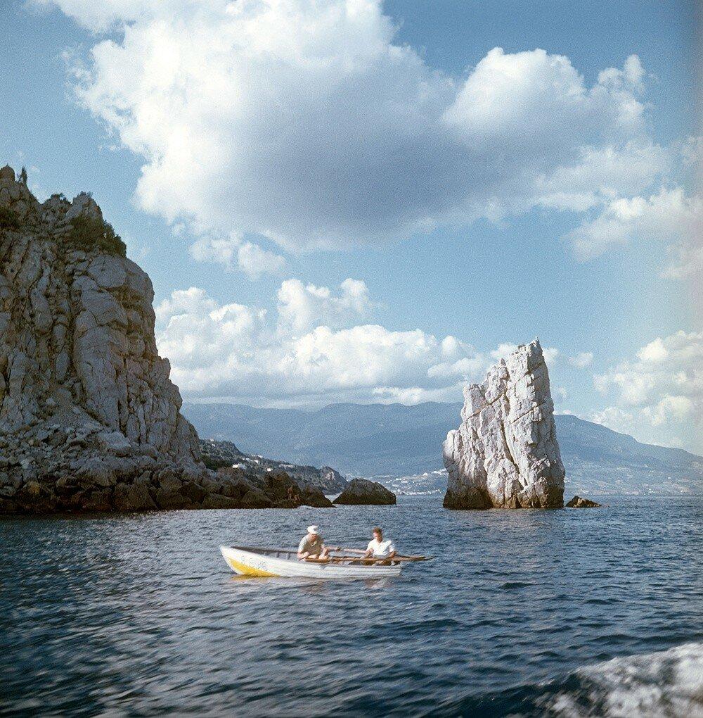 1970 Крым. Скала Парус. Фотохроники ТАСС.jpg