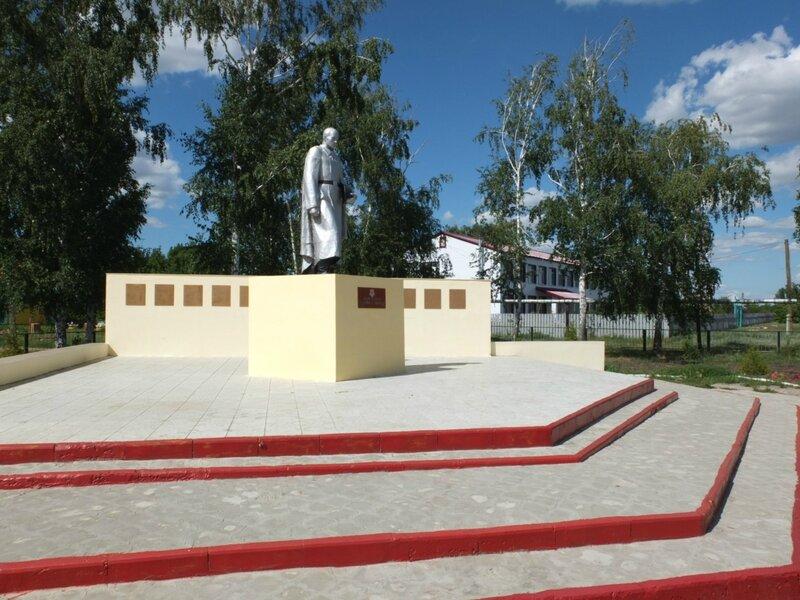 Хворостянка, Безенчук аэродром 417.JPG