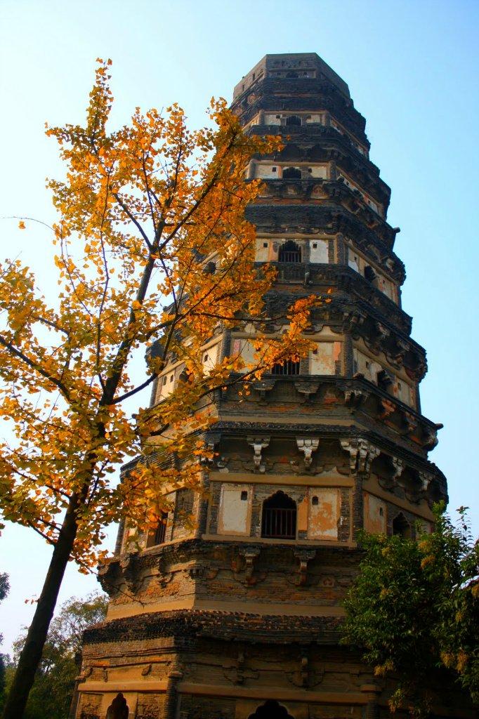 Башня Бурана, Италия Башня Бурана , или церковь Св. Мартино находится на венецианском острове