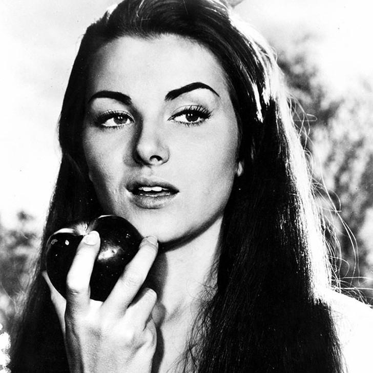 Кристиан Мартель, Франция. «Мисс Вселенная — 1953». 18 лет, рост 167 см.
