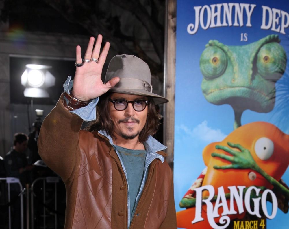 15. Кинофильмам Джонни предпочитает мультики.