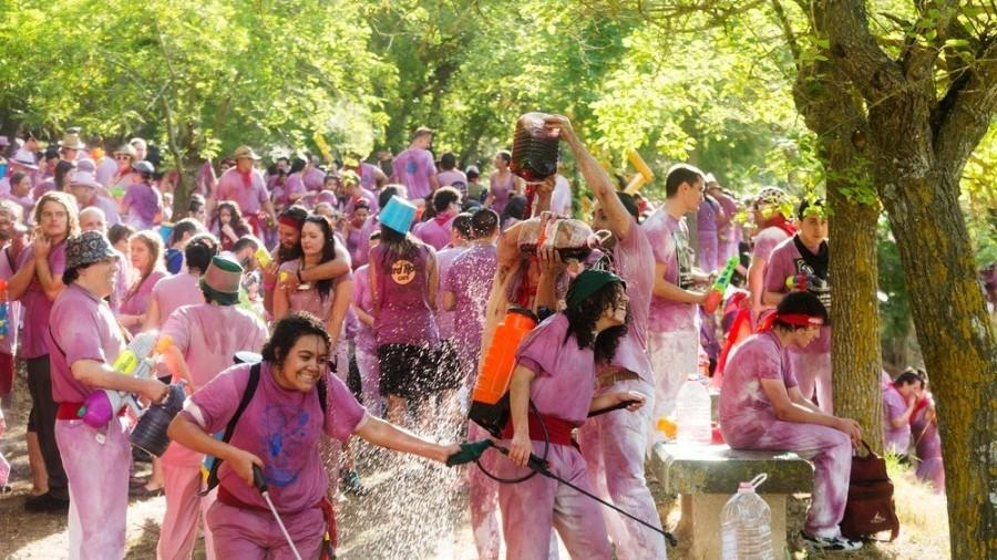 2. Винный фестиваль Харо Фестиваль Харо ежегодно проходит 29 июня в провинции Риоха, Испания, и боль