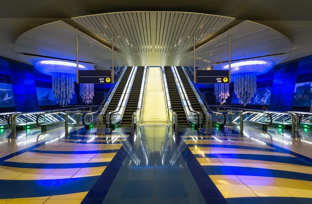 Объединённые Арабские Эмираты. Дубай. Станция Халид ибн аль-Валид. (mx2.de)
