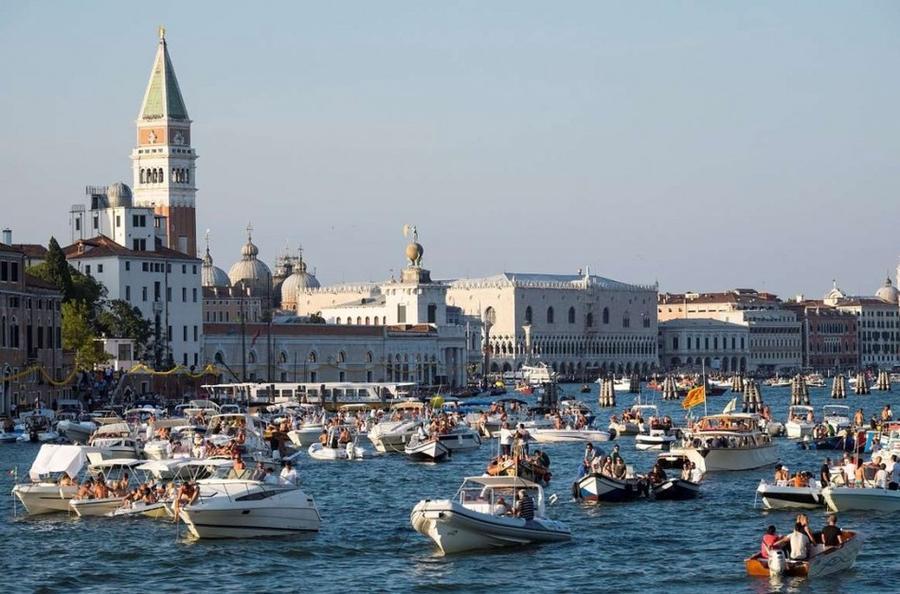 4. Италия Граждане Италии гарантированно получают 31 день оплачиваемого отпуска.
