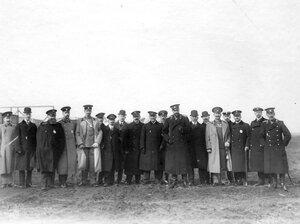 Авиаторы - участники праздника воздухоплавания ( в группе  великий князь Александр Михайлович, летчики Л.М.Мациевич и С.А.Ульянин).