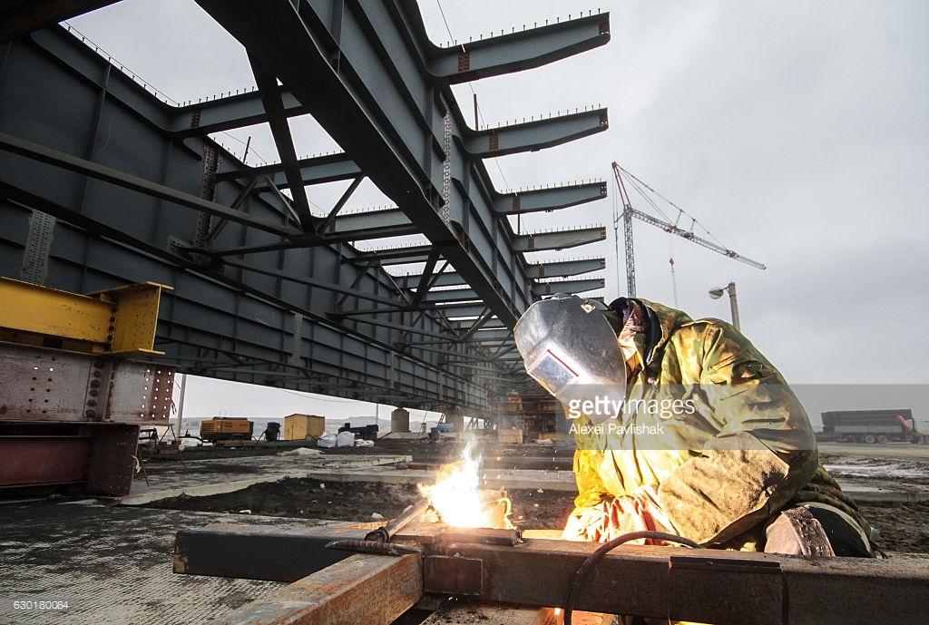 Запад не на шутку заинтересовался масштабной стройкой Керченского моста