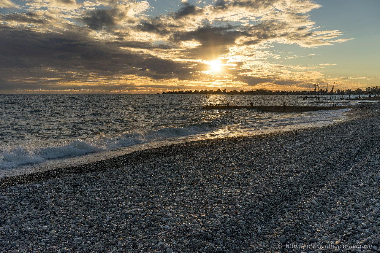 заняться фото моря в сухуми летом чем уверен, что
