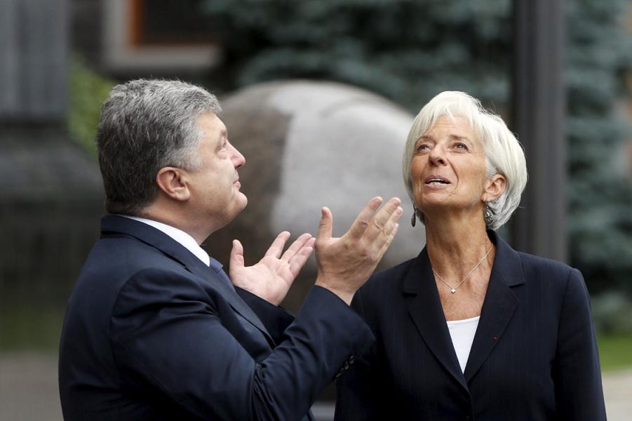 Порошенко и Лагард молятся на кредитные линии МВФ.png