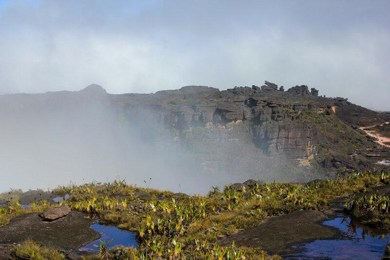 Фантастические виды на горе Рорайма в Южной Америке 0 14602f 3334b805 XL