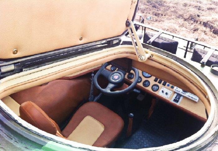 Тюнингованый броневик БРДМ-2