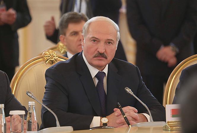 Лукашенко без усов фотожаба