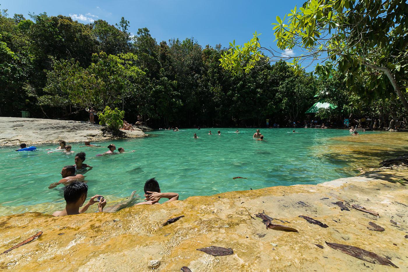 Фотография 22. Скоро здесь будет еще больше купальщиков. Приезжайте к Emerald Pool пораньше. Рассказ о путешествии по Таиланду самостоятельно. (100, 14, 9.0, 1/250)