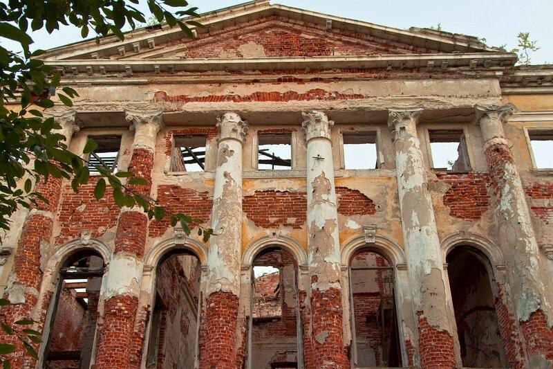 Главный дом усадьбы Гребнево