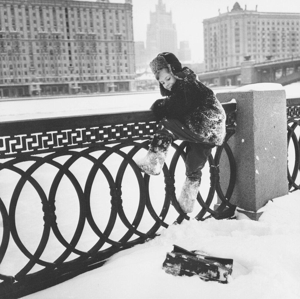 1960. Коля живет в Москве