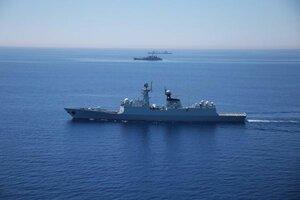 КНР восемь раз предупредила военный вертолет США