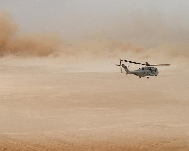 3. В наши дни, когда пустыня пересечена автомобильными дорогами, а над ними по всем направлениям про