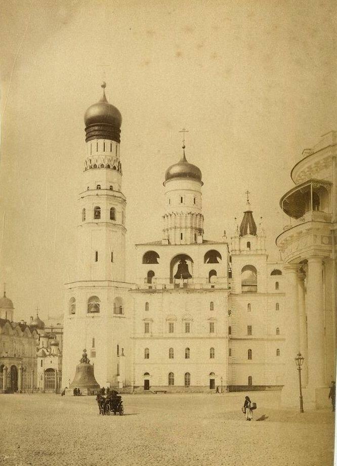112.  Колокольня Ивана Великого