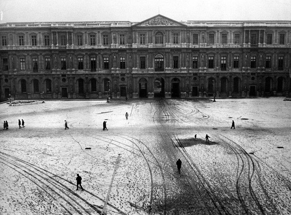 1970. Двор инвалидов в снегу