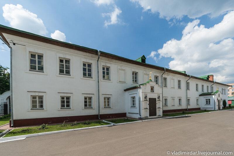 Свято-Екатерининский монастырь. Настоятельский корпус.