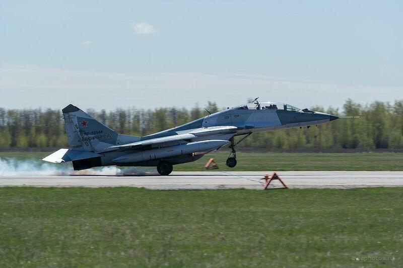 Микоян-Гуревич МиГ-29УБ (RF-92946 / 73 красный) D807980