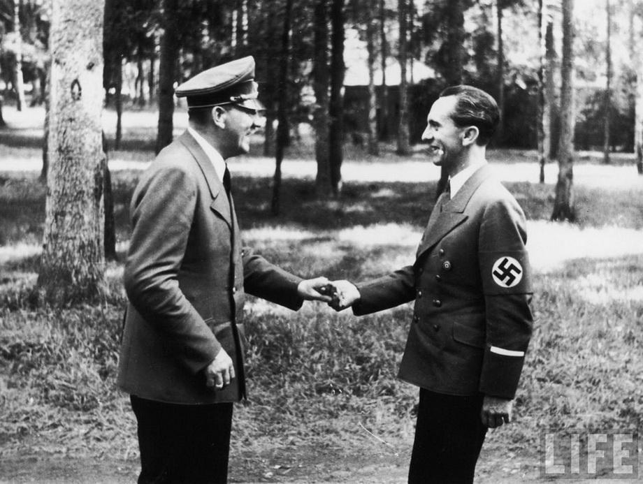 Редкие фото Гитлера