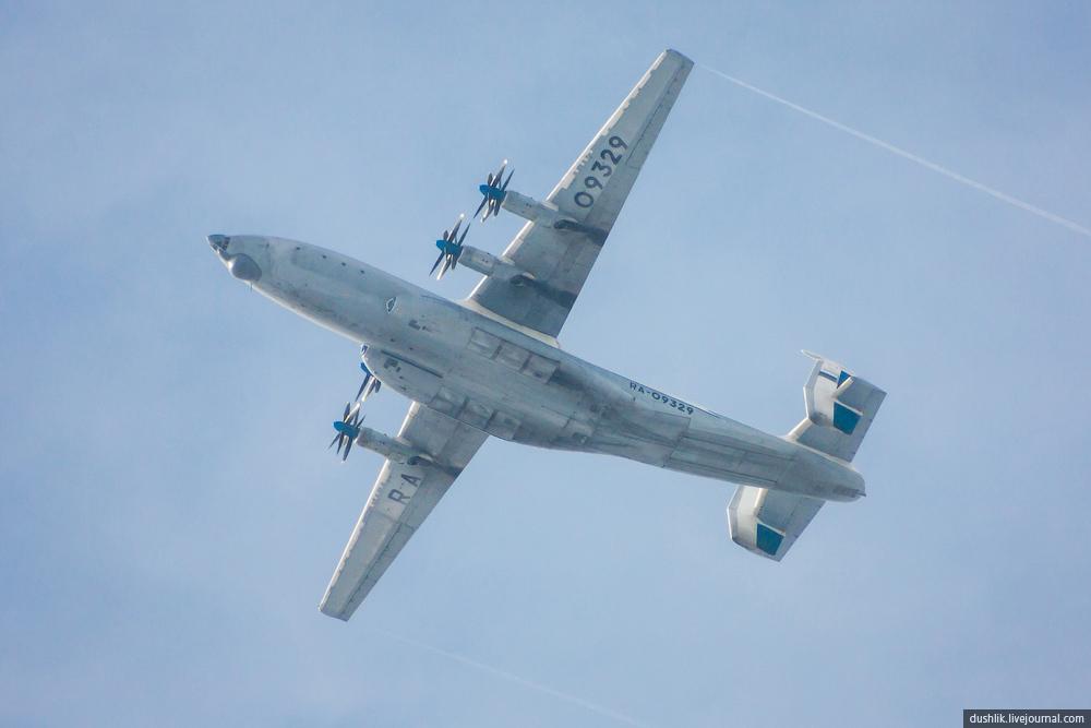 Ан-22 «Антей» в полёте
