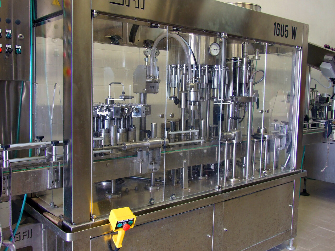 Аппарат для стерилизации стеклянных бутылок