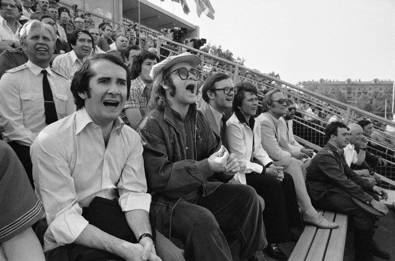Элтон Джон на футбольном матче  ЦСКА - Динамо (Минск), 1979 год