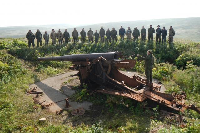 Остров Шумшу Японское орудие 1.JPG