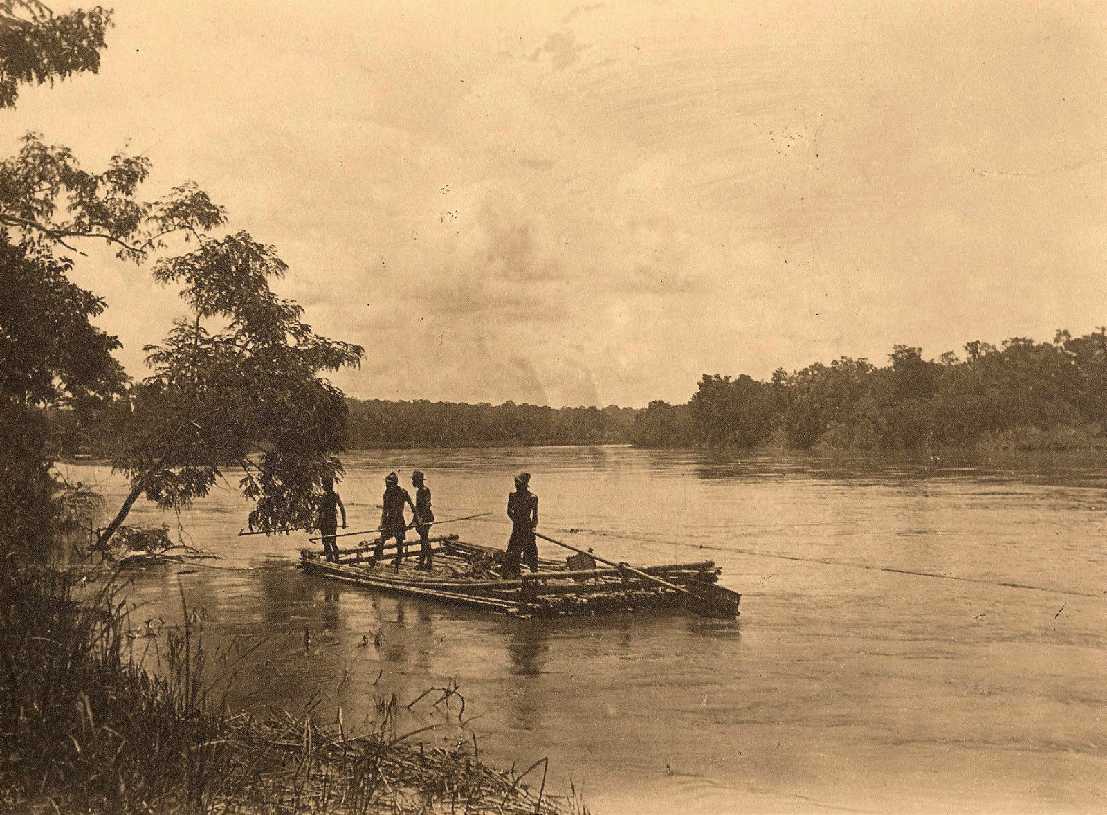 Цейлон. На реке