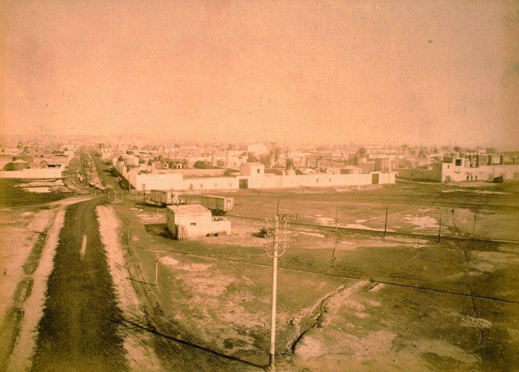 56. Баку. Панорама Черного города