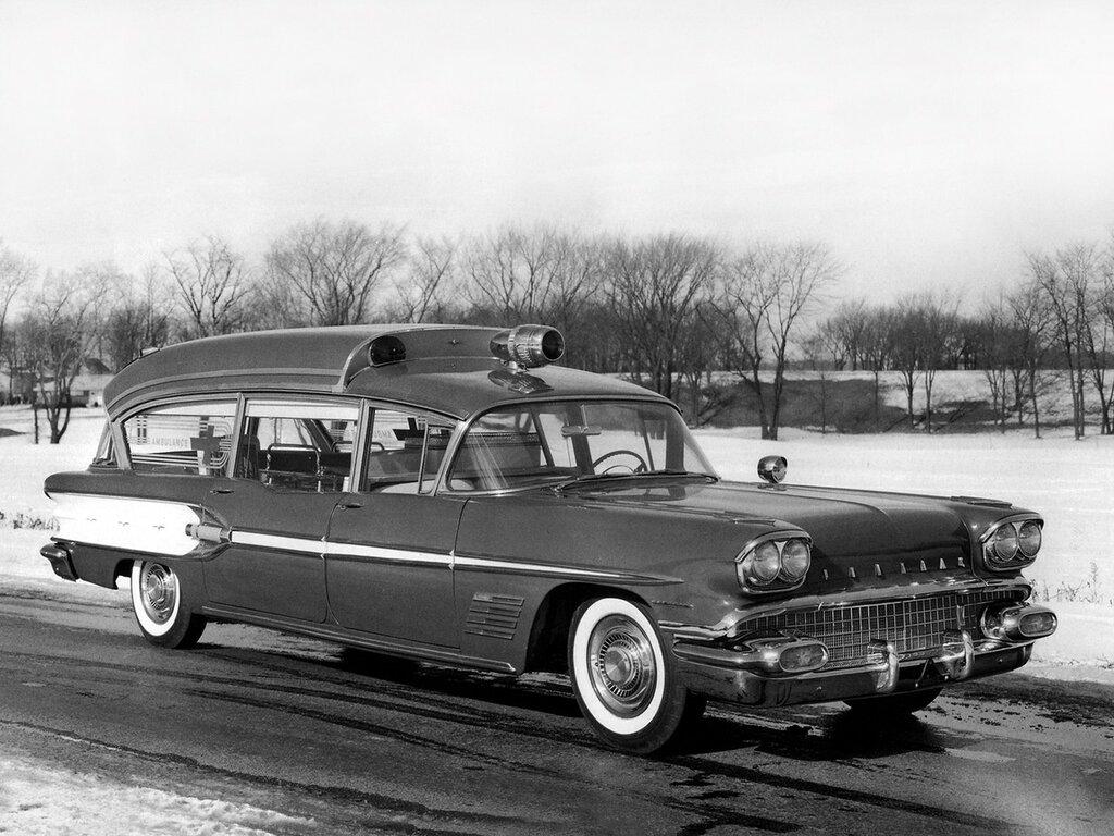 Pontiac Bonneville Criterion Super Headroom Ambulance by Superior '1958 1.jpg